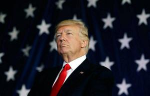 Федеральная резервная система США должна оставаться вне торговой войны Трампа
